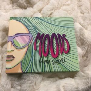 Laura Sanchez Moods palette NEW